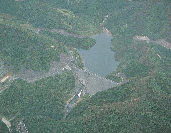 伊岐佐水坝