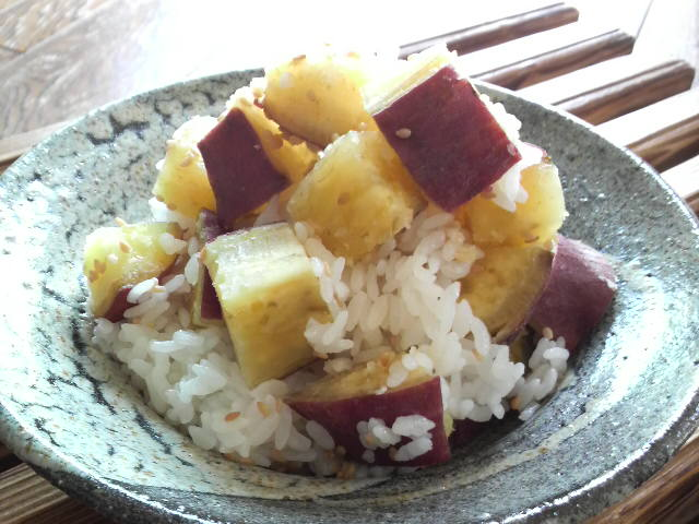 Rice image of sweet potato with sesame