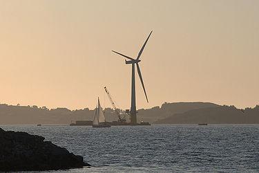 浮体式海上风力发电形象