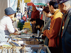 Yobuko morning market image