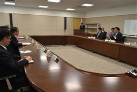 山口知事和世界耕經濟產業大臣的面談