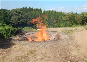 野外焚烧照片